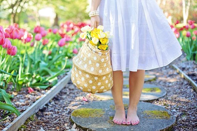 cesta s tulipány