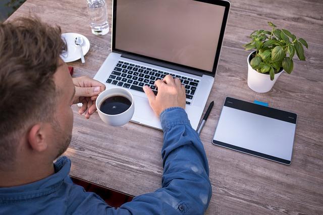 práce a káva