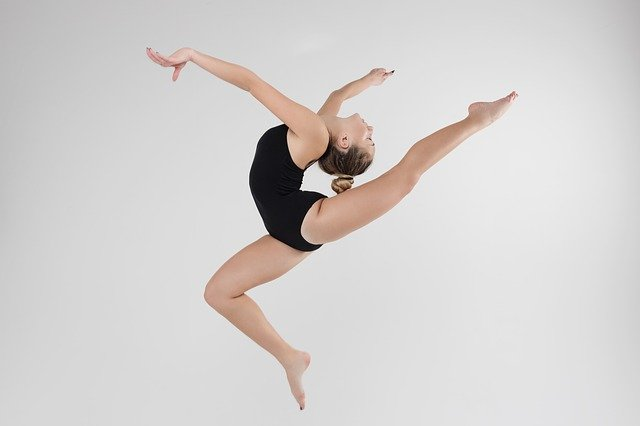 cvičiaca gymnastka.jpg