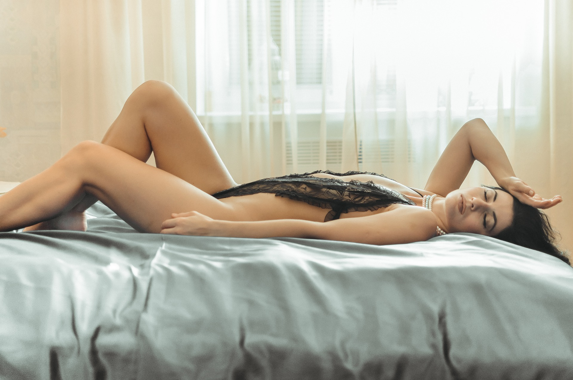 sexy-5136670_1920