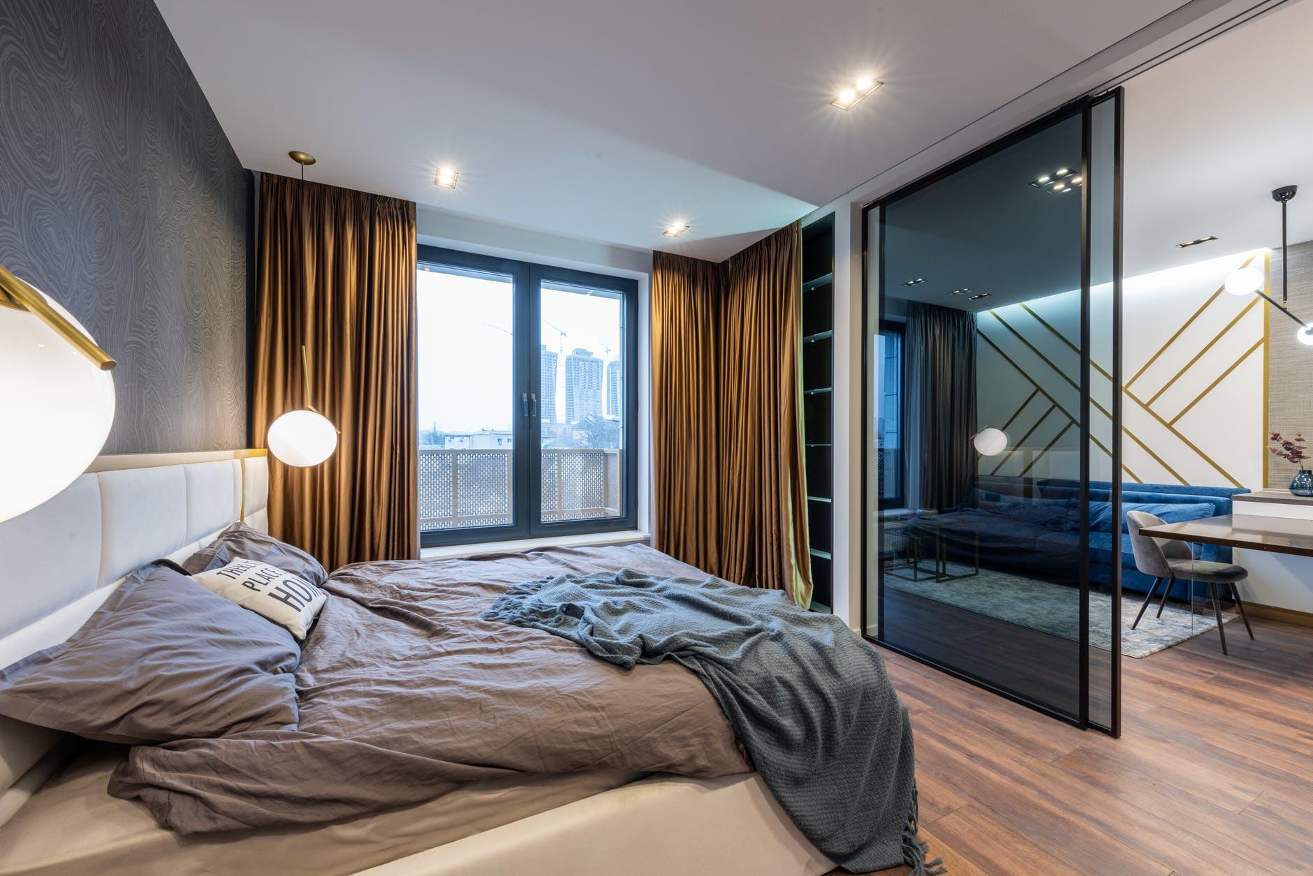 spálňa, posuvné dver